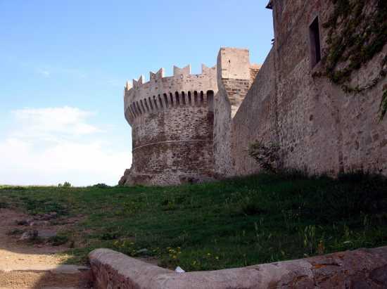 antiche mura - Populonia (2500 clic)