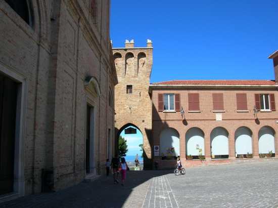 Porta Marina - Saludecio (2889 clic)