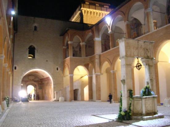 la Rocca  - Spoleto (3759 clic)