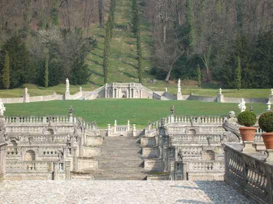 Villa Di Porta Bozzolo(bene FAI) il parco - Casalzuigno (2413 clic)