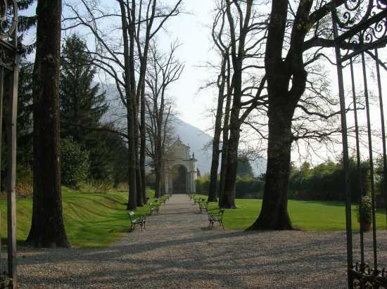 Villa Di Porta Bozzolo(bene FAI) il giardino segreto - Casalzuigno (2085 clic)