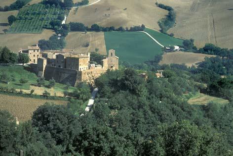 Arcevia, veduta del borgo di Loretello (4906 clic)