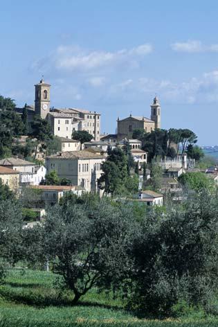 Castel Colonna, veduta del borgo - Castelbellino (1878 clic)