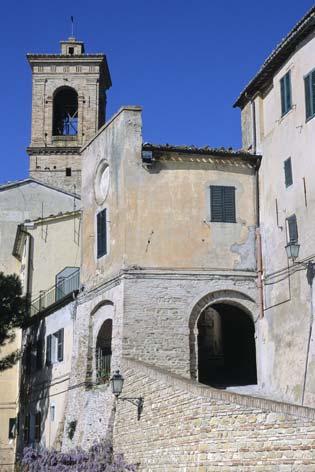 Castel Colonna, centro storico - Castelbellino (2020 clic)