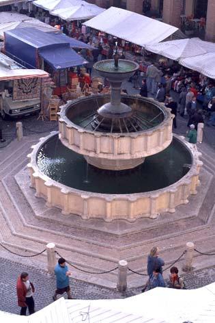 Fabriano, Piazza del Comune (2600 clic)