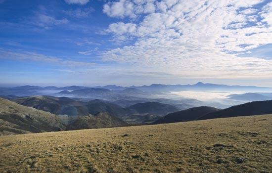 Alta Vall'Esina (zona Fabriano), panorama dal Monte Cucco (2257 clic)