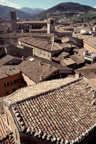 Fabriano, panorama dal campanile della chiesa di San Biagio (3429 clic)