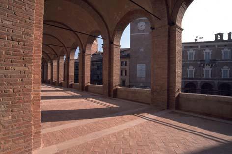Fabriano, loggiato di San Francesco (3816 clic)