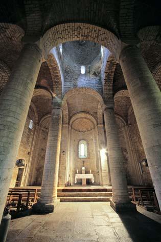 Genga, abbazia di San Vittore delle Chiuse (5287 clic)