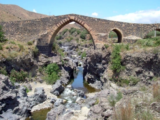 Ponte dei Saraceni sul Simeto - Bronte (6154 clic)