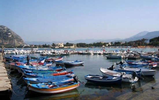 Barche al Molo. - Mondello (6054 clic)