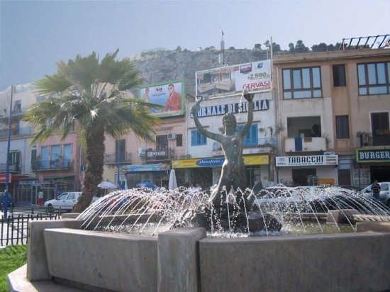La fontana - Mondello (6021 clic)