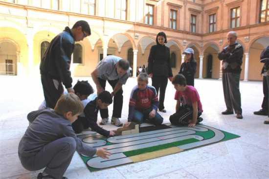 Palazzo dei Pio si gioca a Ciclotappo - Carpi (3203 clic)