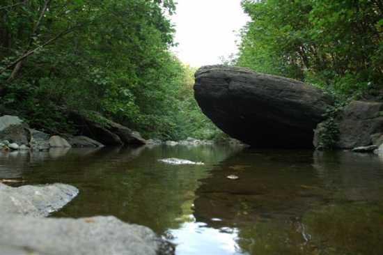 Pietra sul fiume - Sassello (3410 clic)