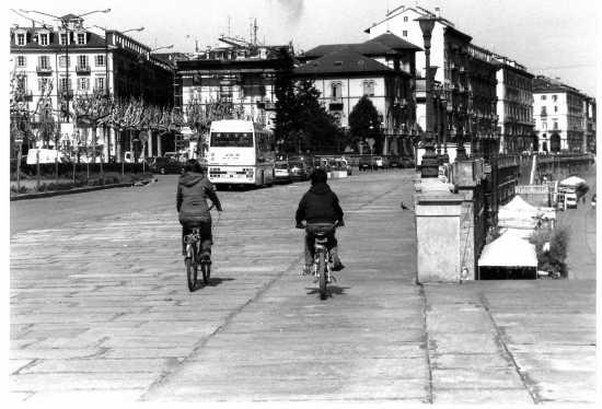 LUNGO PO - Torino (2386 clic)