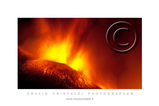 ore 01.30 del 06.08.11 - Etna (2455 clic)