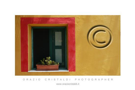 un finestra - Linosa (2749 clic)