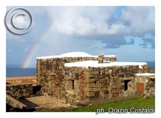l'arcobeleno - Pantelleria (3130 clic)