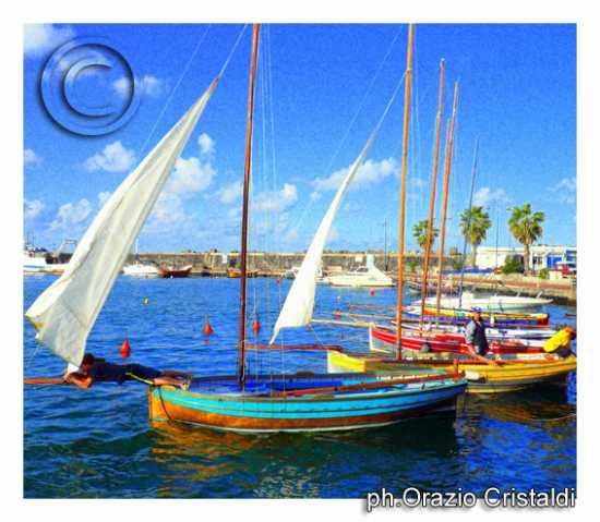 tipiche barche pantesche - Pantelleria (3556 clic)