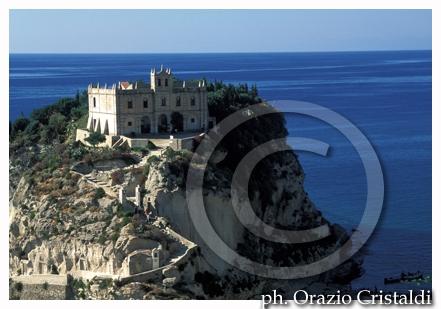 Santa maria dell'isola - tropea   (2947 clic)