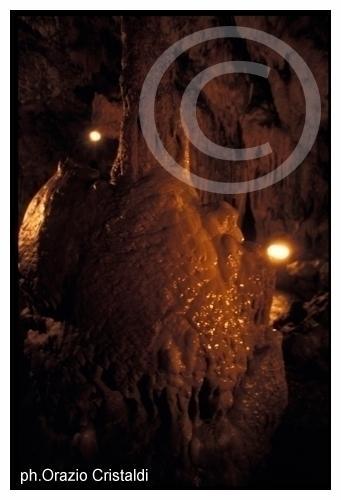 grotta zinzilusa - CASTRO - inserita il 31-Jul-07