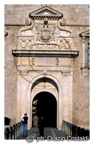 il castello FORTE SPAGNOLO PORTALE D'INGRESSO - L'aquila (2538 clic)