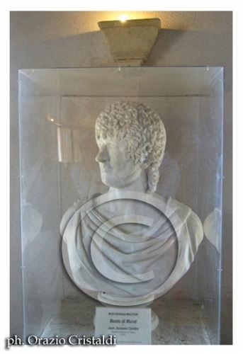 busto di Murat esposto al museo - Pizzo calabro (2043 clic)