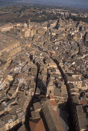 caltagirone, veduta aerea del centro storico (3964 clic)