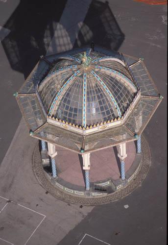 caltagirone, veduta aerea della pagoda nella villa comunale (3570 clic)