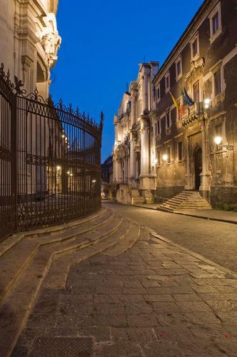via crociferi - Catania (3719 clic)