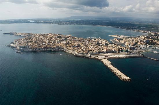 veduta aerea dell'isola di ortigia - Siracusa (5680 clic)