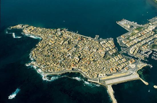 veduta aerea dell'isola di ortigia - Siracusa (7259 clic)