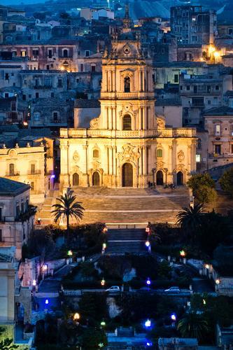 l'ora blu su san giorgio - Modica (2613 clic)
