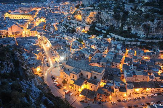 la cava di san bartolomeo, al tramonto - Scicli (9194 clic)