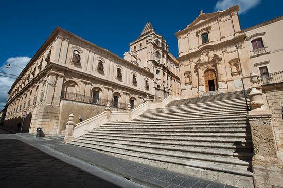 san francesco all'immacolata e il convento del s.s. salvatore - Noto (6315 clic)
