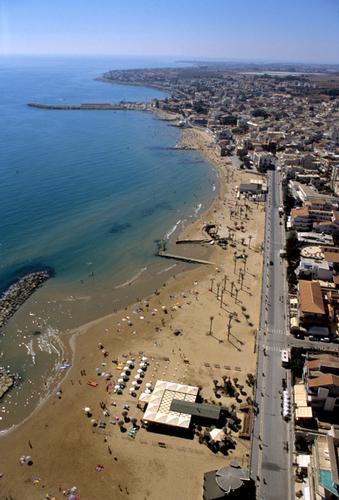 vista aerea di marina di ragusa (4764 clic)
