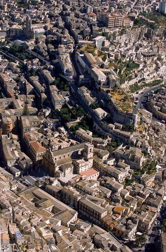 vista aerea di modica (3702 clic)