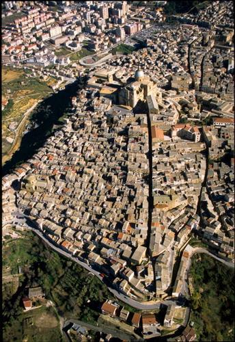 vista aerea di piazza armerina (4025 clic)