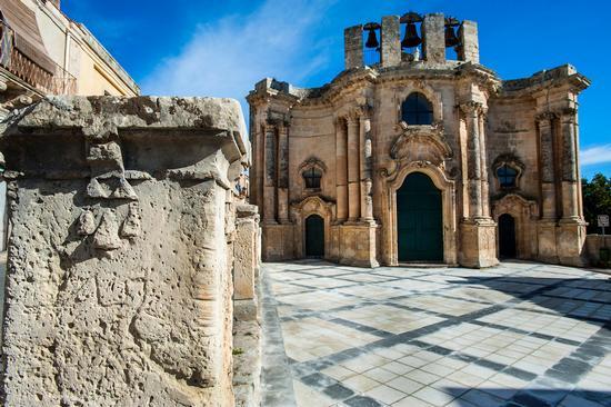 la chiesa di sant'antonino  - Buscemi (1473 clic)