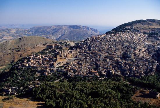 vista aerea di caccamo (2681 clic)
