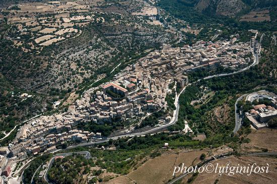 Ragusa Ibla vista dall'alto (2013 clic)
