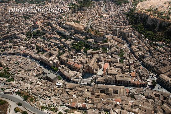 Modica vista dall'alto (2475 clic)