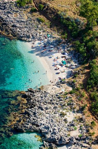 veduta aerea di una delle spiagge - Riserva dello zingaro (3002 clic)