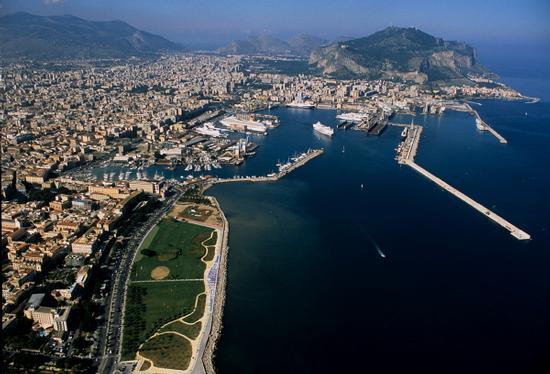 Palermo vista dall'alto (5377 clic)