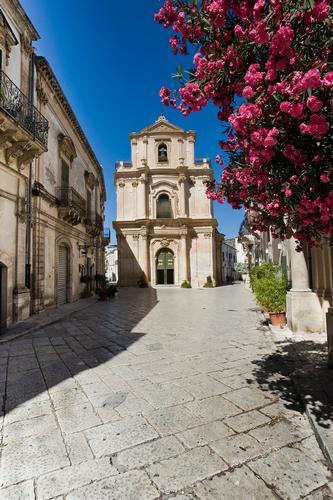 la chiesa di san michele, via mormina penna, sito unesco - Scicli (1403 clic)