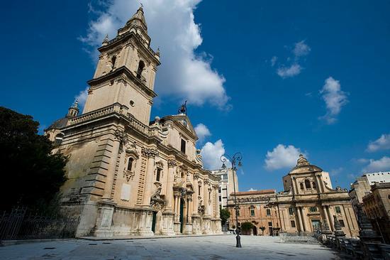 la cattedrale di san giovanni e la badia - Ragusa (7330 clic)