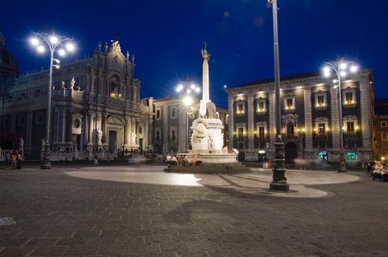 piazza duomo - Catania (1161 clic)