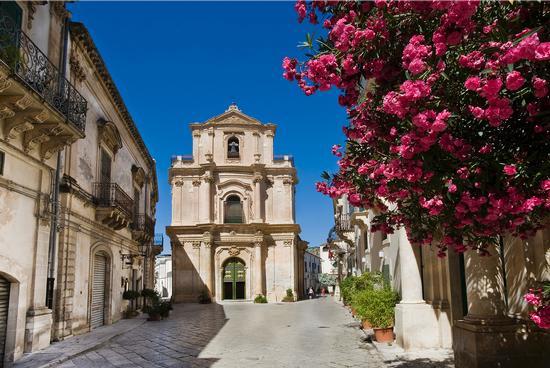 la chiesa di san michele, via mormina penna, sito unesco - Scicli (2001 clic)
