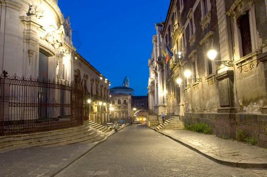 via crociferi - Catania (1213 clic)