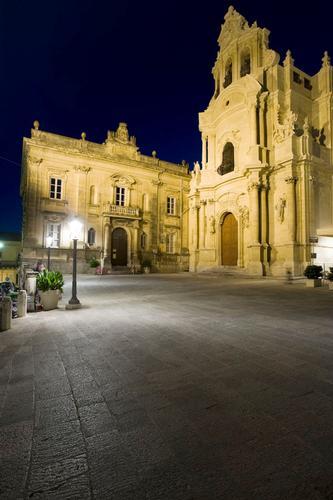 piazza pola - Ragusa (1498 clic)